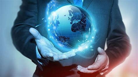 Virus e prove di tecno-mondo
