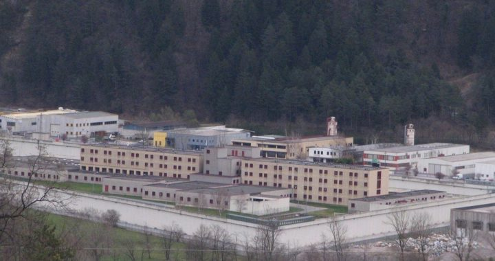 Presidio al carcere di Tolmezzo sabato 19.12