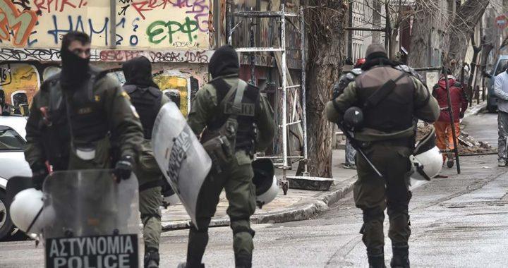 Grecia: Commemorazione di Alexis e violenta repressione