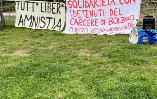 Bolzano: Un centinaio di solidali per Ambra