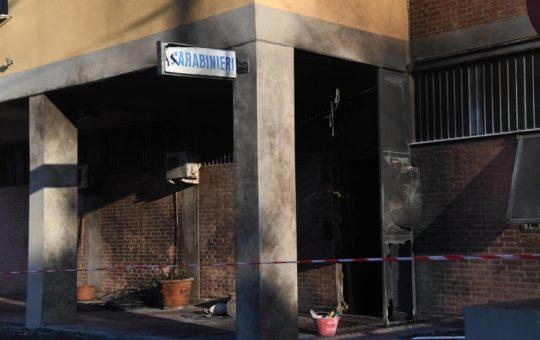 Nuova indagine per 280 in relazione all'attacco contro la caserma dei carabinieri di Bologna